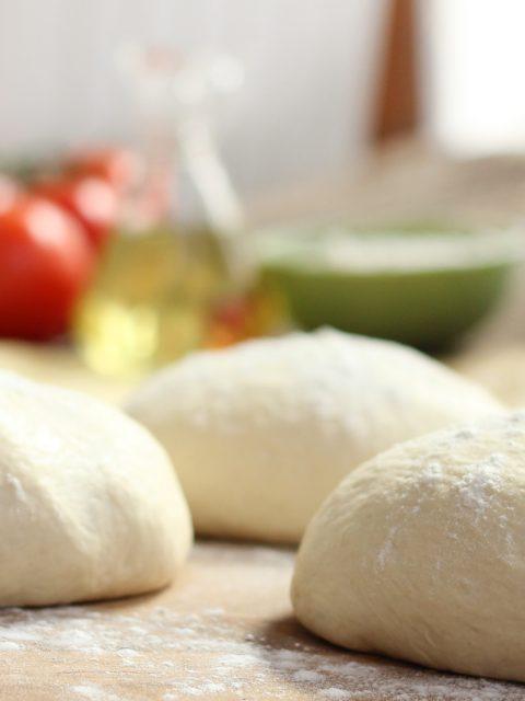 Pizzateig neapolitanische oder römischer Art