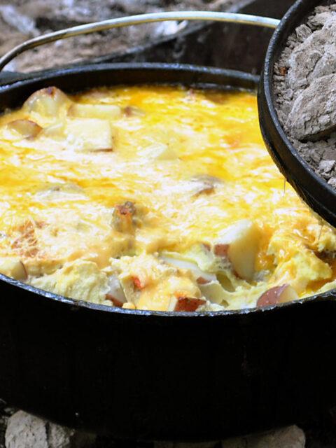 Kartoffelgratin mit Hähnchenbrust aus dem Dutch Oven