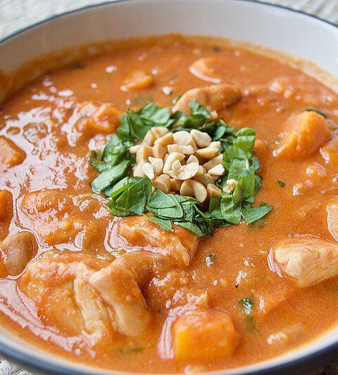 Afrikanischer Hühnchen- und Erdnuss Stew